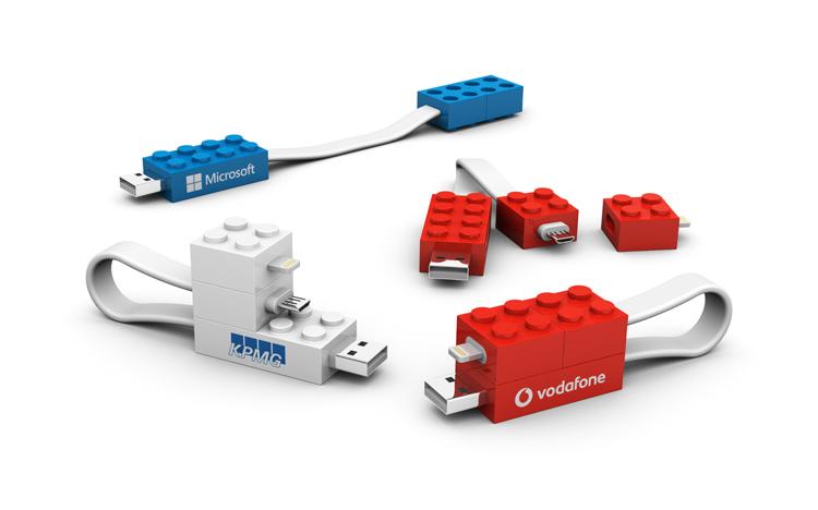 gadget-aziendale-innovativo-online-promozionale-cavo-cellulare-personalizzato-brandizzato-caricatore-personalizzato-pubblicitario